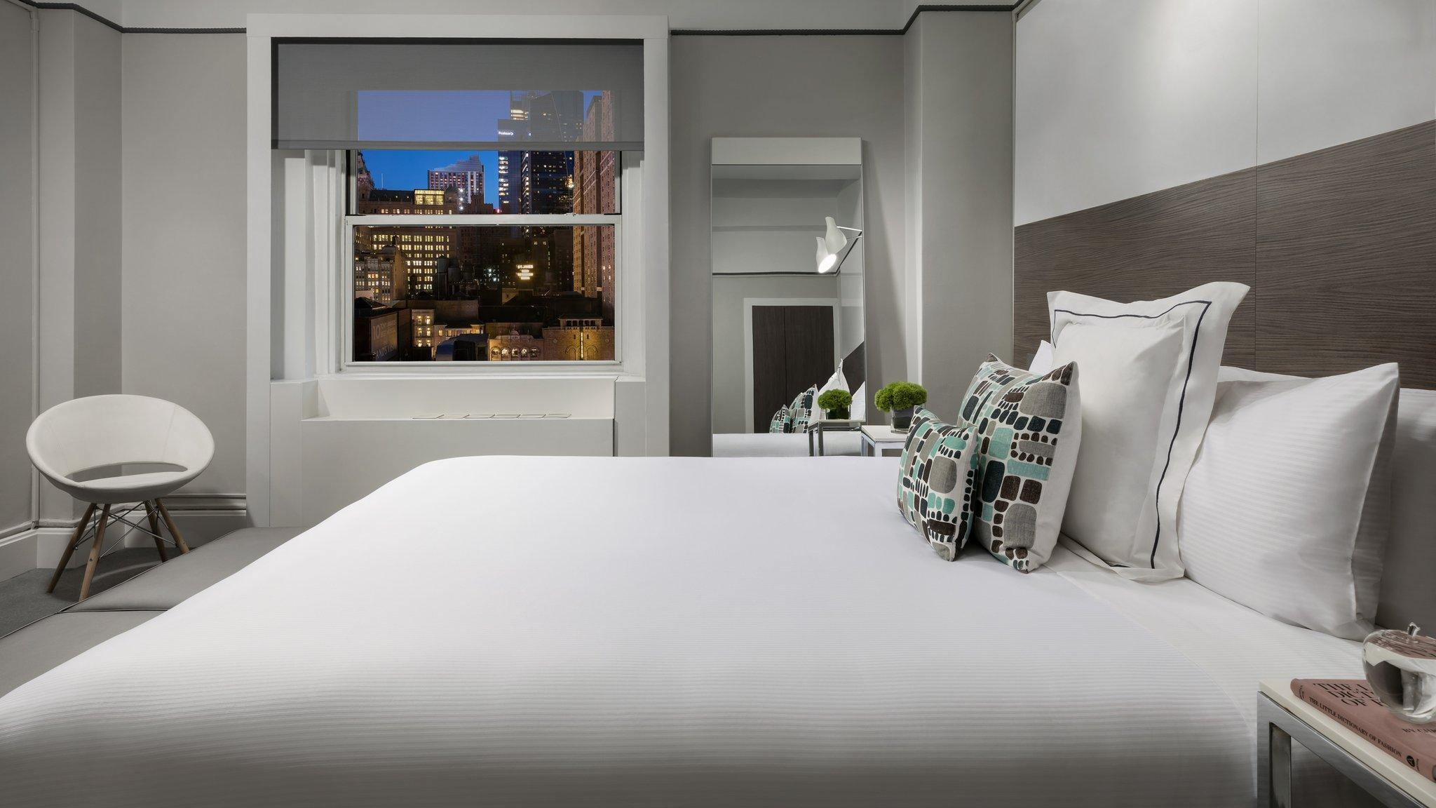 Paramount Times Square Pet Friendly Hotel New York Ny Deals Photos Reviews