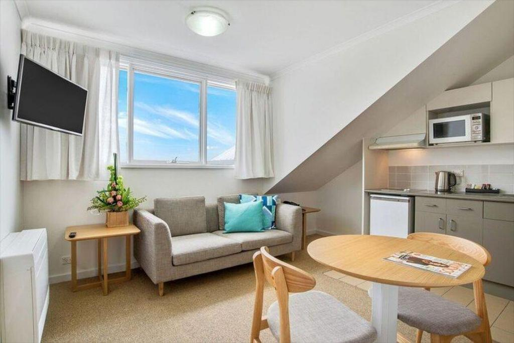 Book Quest Williamstown Serviced Apartments (Melbourne ...
