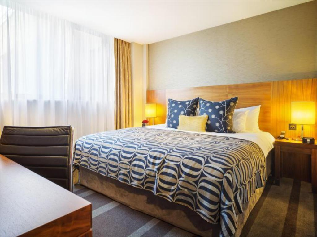 City Double or Twin Room Apex City of London Hotel
