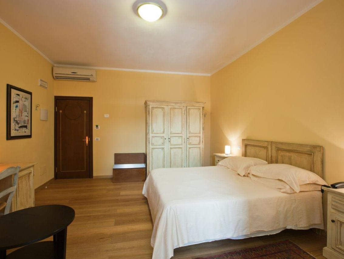 Chambre familiale (2 adultes + 1 enfant) (Family Room (2 Adults + 1 Child))