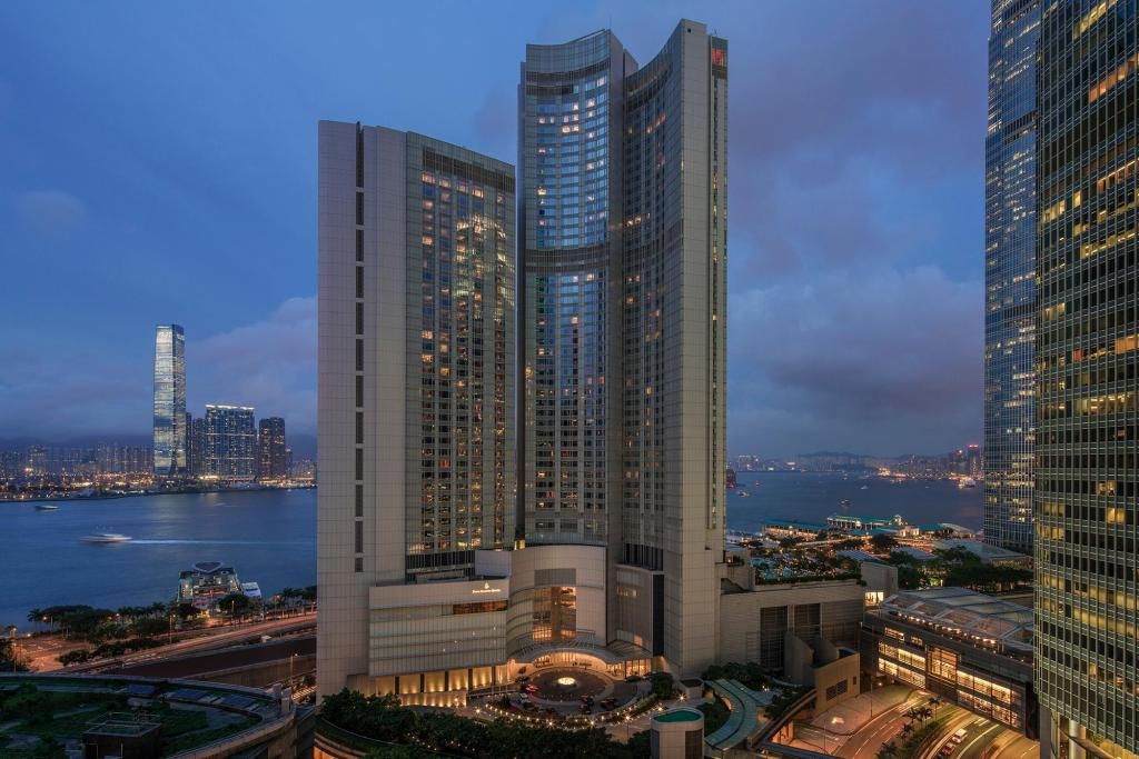 More about Four Seasons Hotel Hong Kong