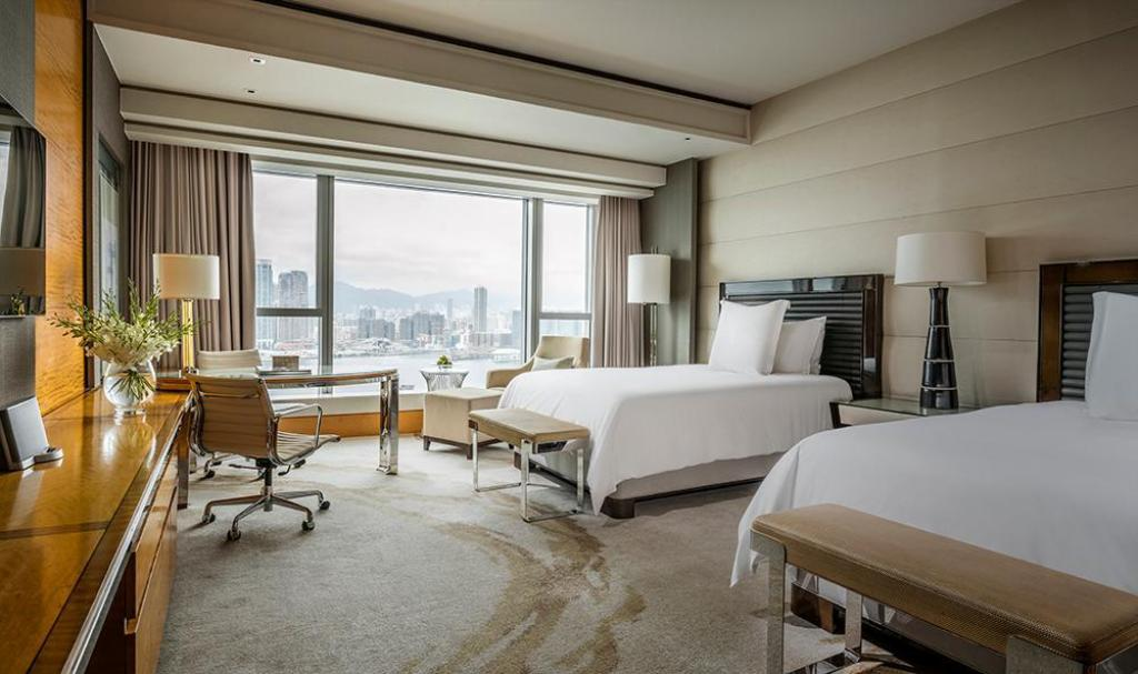 See all 6 photos Four Seasons Hotel Hong Kong