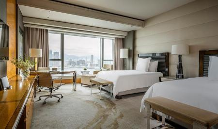 Executive Harbour View Room 2 Double Beds - Bed Four Seasons Hotel Hong Kong