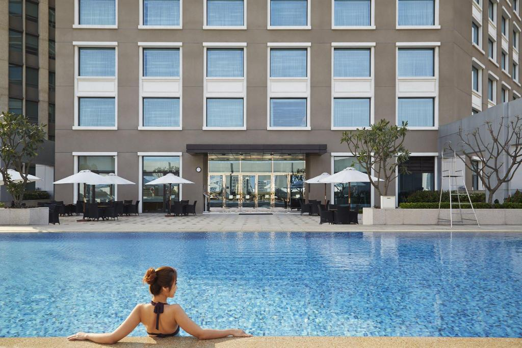 Swimming pool [outdoor] Hotel Nikko Saigon