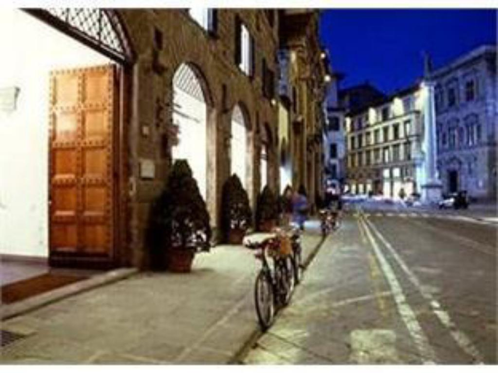 Antica Torre Di Via Tornabuoni 1 in Florence - Room Deals ...