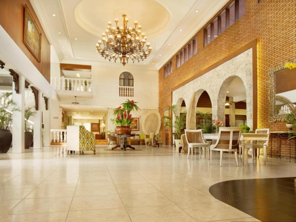 Montebello Villa Hotel Buffet