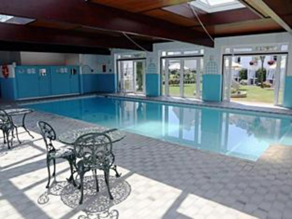 Swimming pool Beausite Hotel