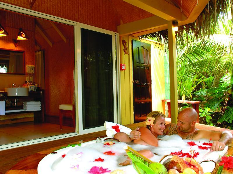 Bungalov za mladence (Honeymoon Bungalow)