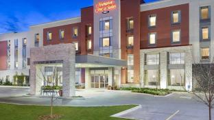 Hampton Inn and Suites Airdrie