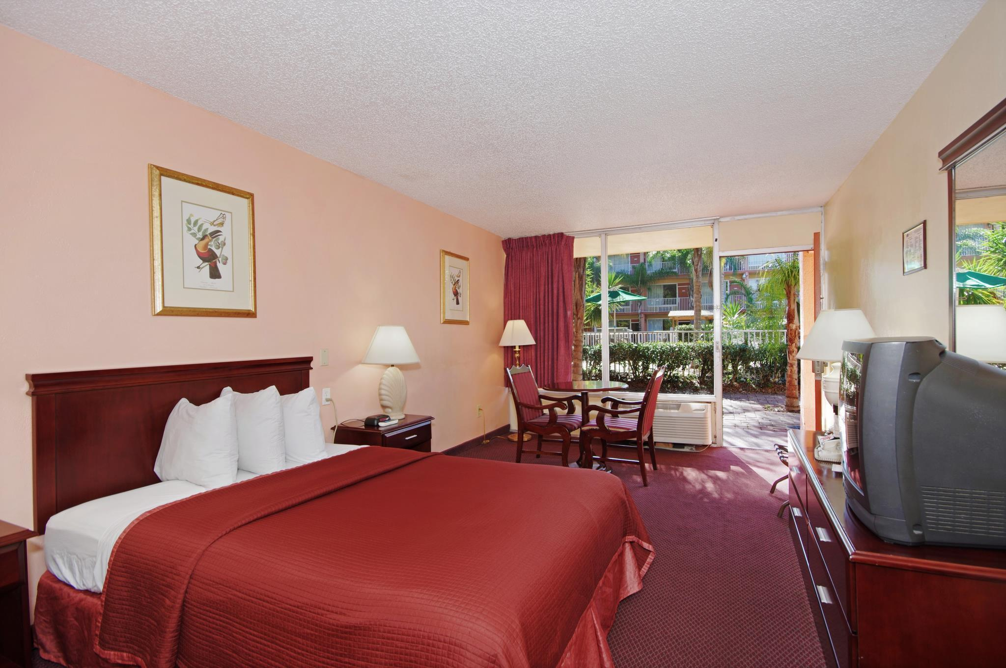 Best Price on Howard Johnson by Wyndham Tropical Palms Kissimmee in ...