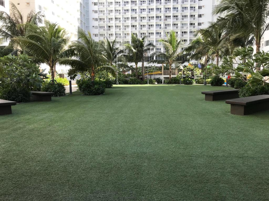 Condotel at Shore Residences MOA Complex, airport