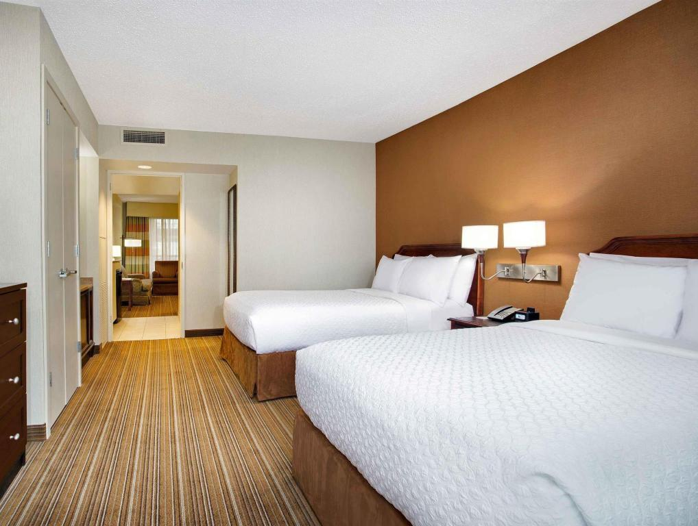 2 Double Connecting Suite Non-Smoking - soba za goste Embassy Suites Parsippany Hotel