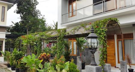 Exterior view Embe Joglo Homestay