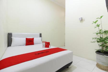 RedDoorz Room - Bedroom RedDoorz @ Jalan Damai 3