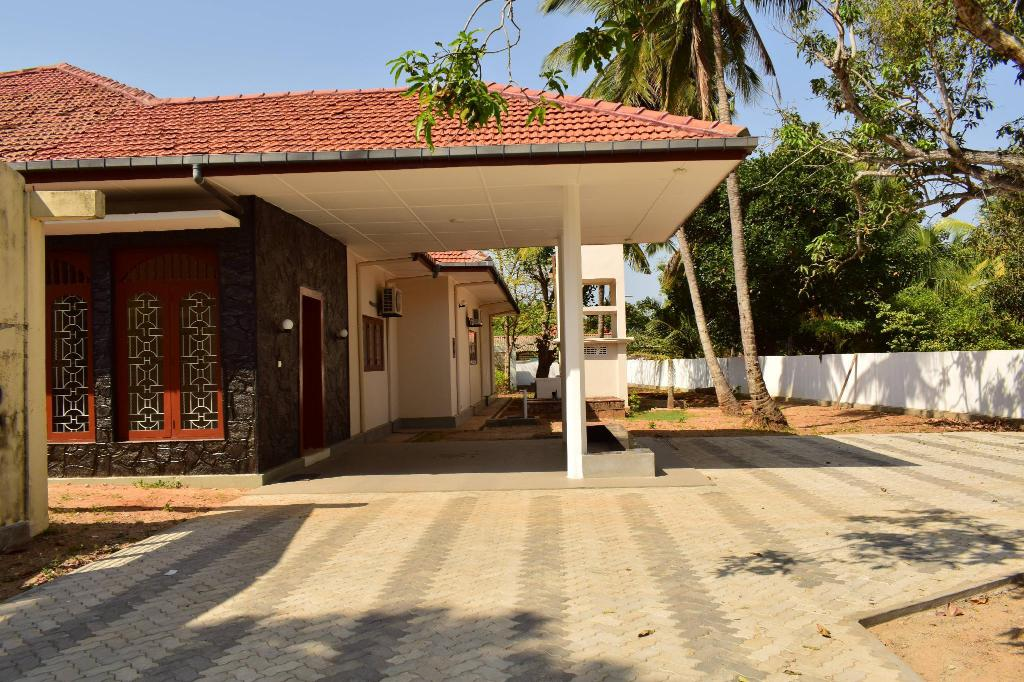 Best Price on AJR Guest House Mallaham in Jaffna + Reviews!