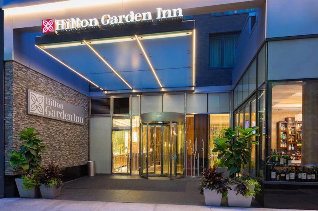 Hilton Garden Inn Central Park South in New York (NY) - Room Deals