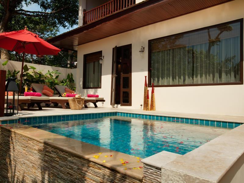 Deluxe Thai Pool Villa