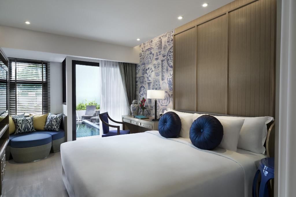 Deluxe Pool Access - Bedroom Manathai Surin Phuket
