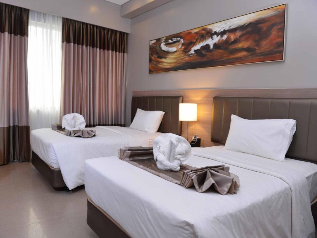 Bayfront Hotel Cebu in Philippines - Room Deals, Photos