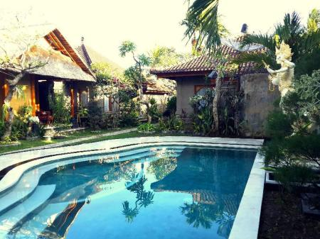 Swimming pool Bungalow Geringsing Candidasa