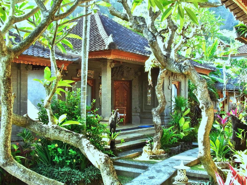 More about Bungalow Geringsing Candidasa