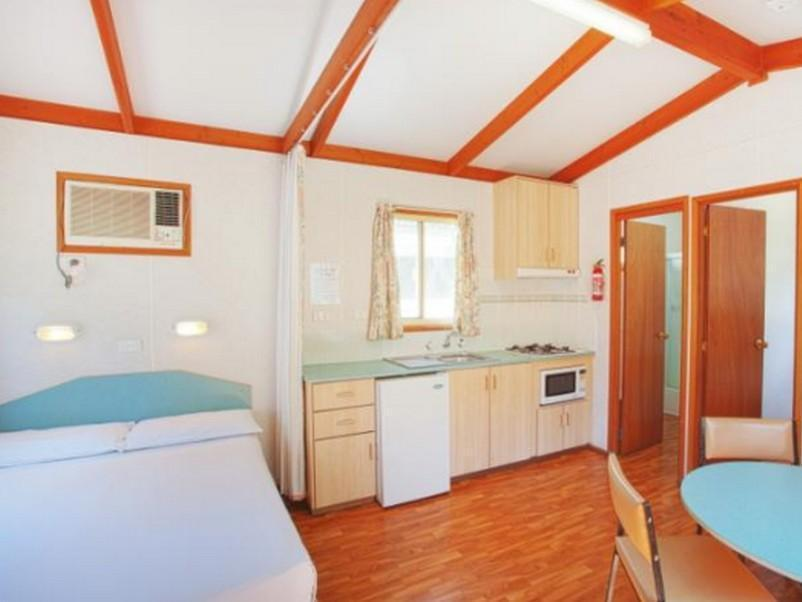 Standard Cabin for 6 People