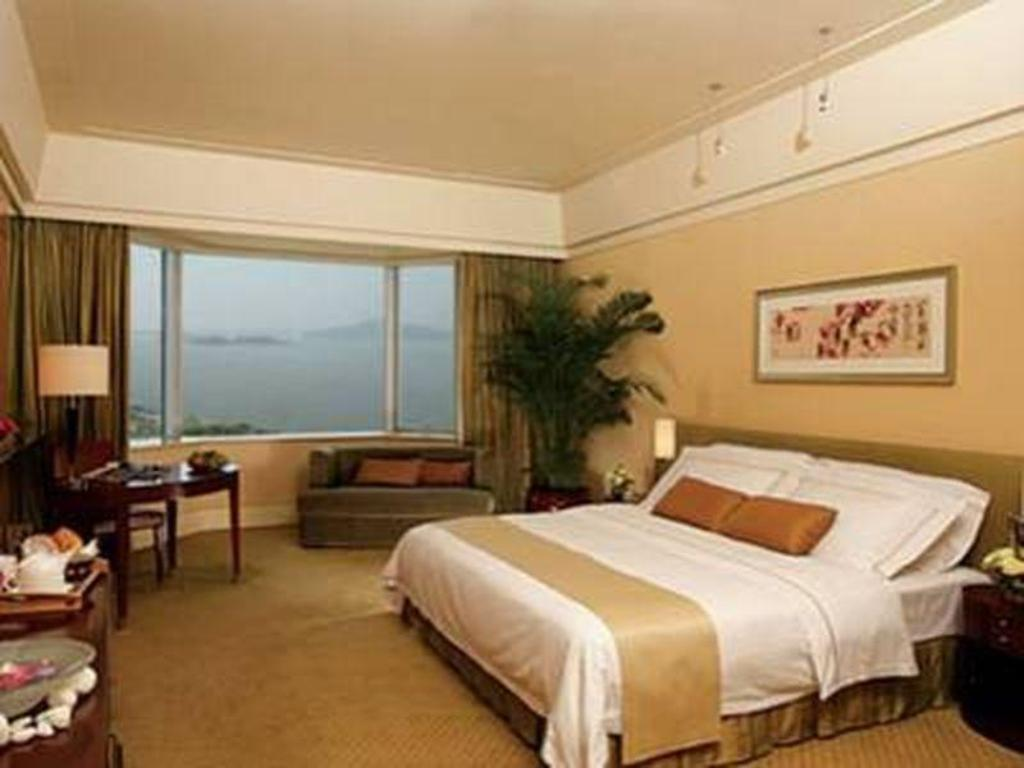 Deluxe Sea View - Guestroom Nansha Grand Hotel