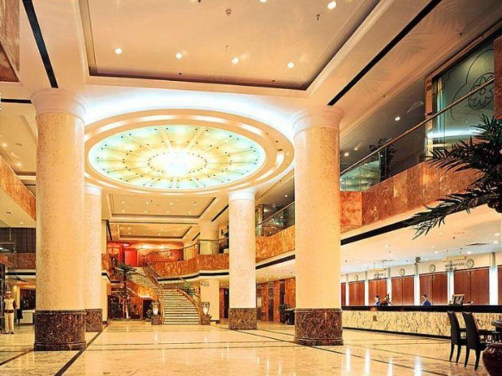 Lobi Guilin Plaza Hotel