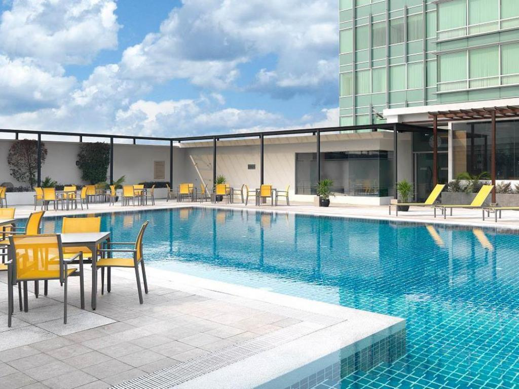 Swimming pool [outdoor] The Boulevard - A St Giles Hotel Kuala Lumpur