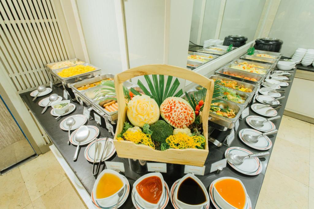 Buffet Seasons Siam Hotel