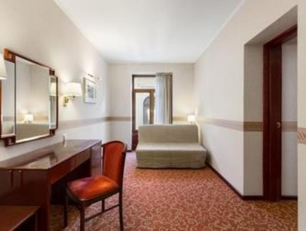 Interior view Ramada Bucharest Majestic Hotel