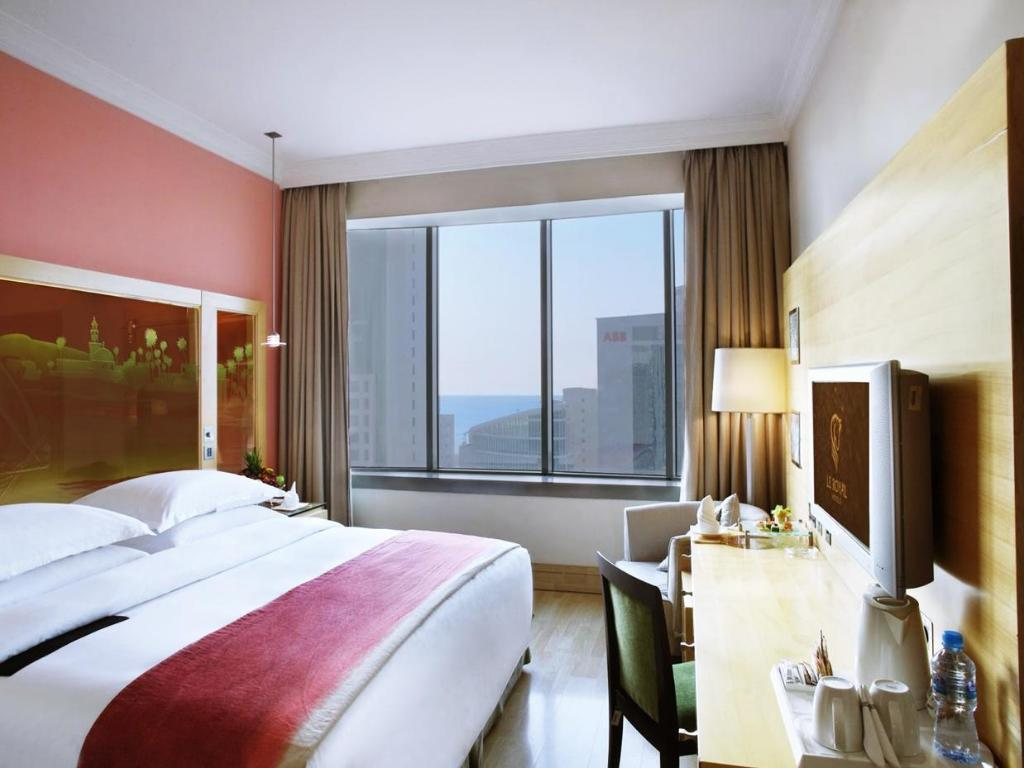 Standard Classic Room - Guestroom Le Royal Tower Hotel