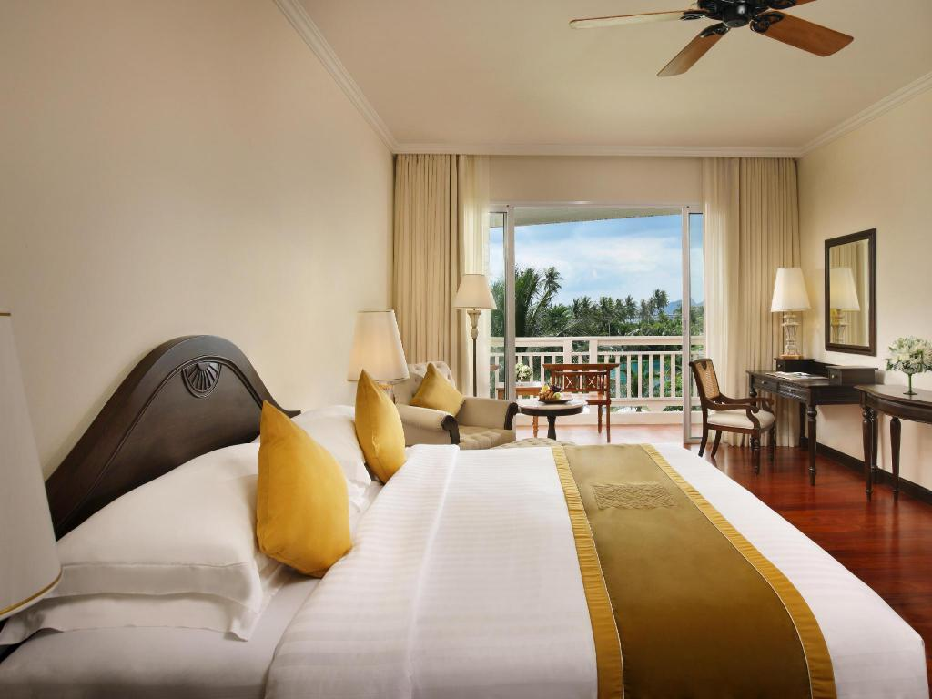 Superior King - Bed Sofitel Krabi Phokeethra Golf & Spa Resort
