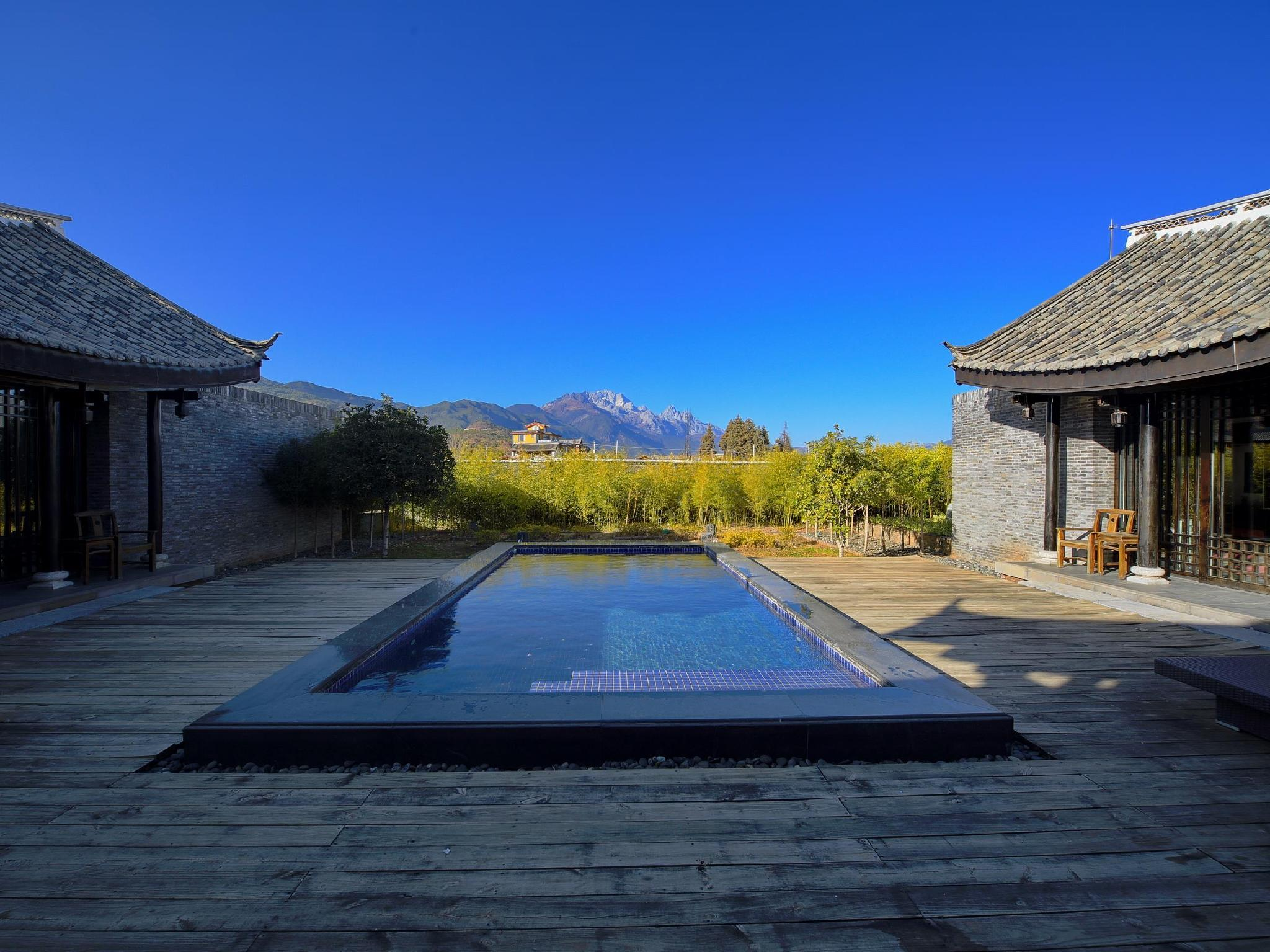 Three-Bedroom Mountain View Pool Villa