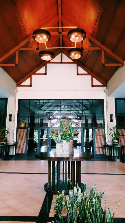 Lobby Aekpailin River Kwai Resort