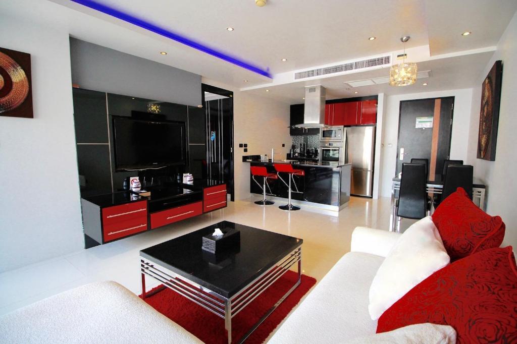 1 Bedroom Condo in Bangla Road, Patong Beach Apartment ...