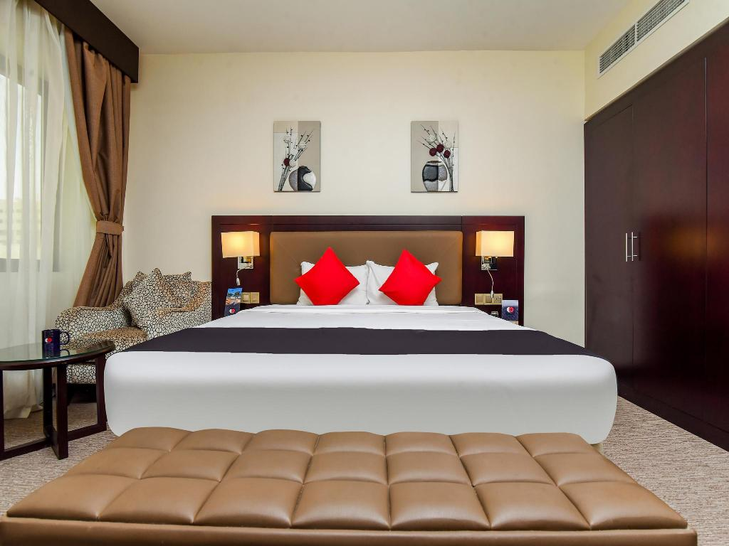 Executive Suite - Bed