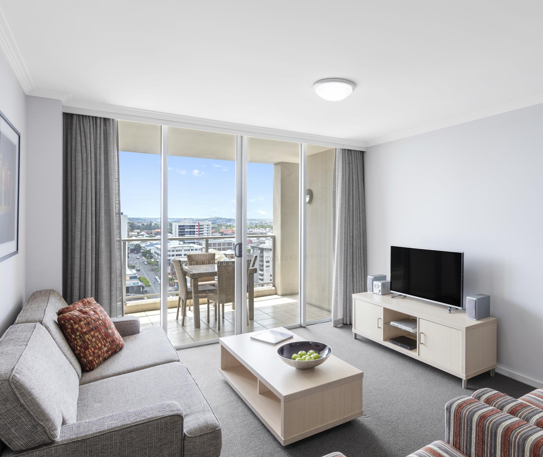 Best price on oaks lexicon apartments in brisbane reviews for Cost to clean 2 bedroom apartment
