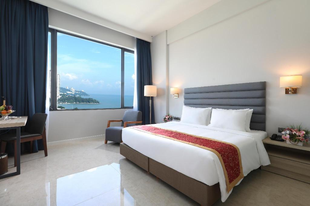 Deluxe Room - Bed Hompton by the Beach Penang