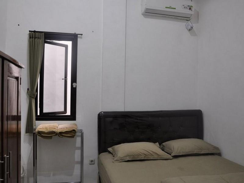 Kamar Medium (Medium Room)