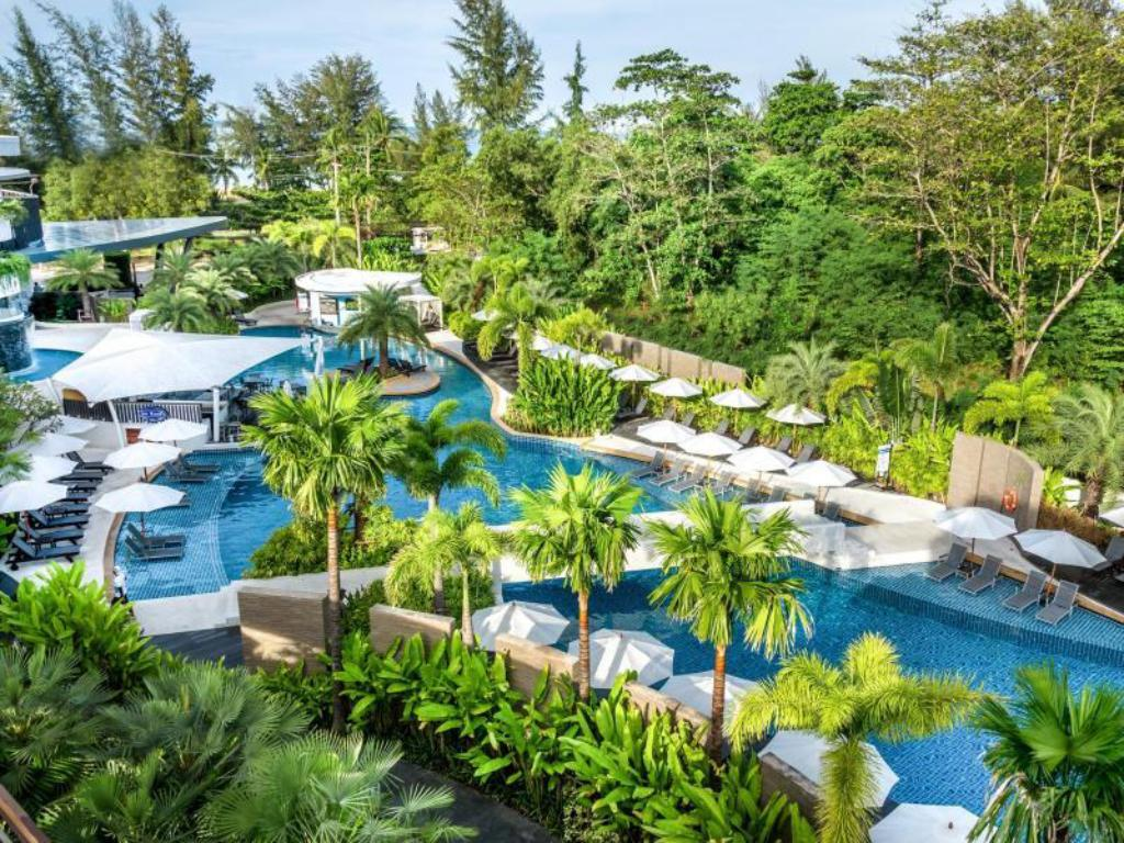 Novotel Et Karon Beach Resort And Spa