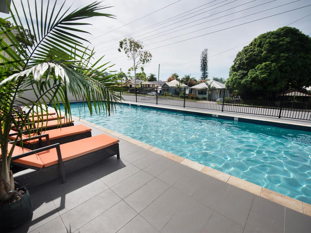 Swimming pool [outdoor] Gladstone Central Plaza Apartment