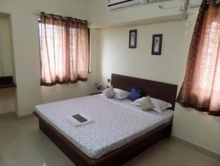 Cosmos Luxury Service Apartment Vimannagar