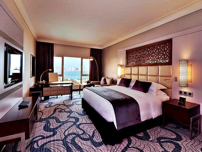 Club Intercontinental King Bed