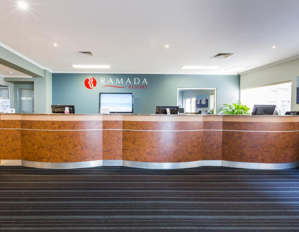 Lobby Ramada Resort Shoal Bay