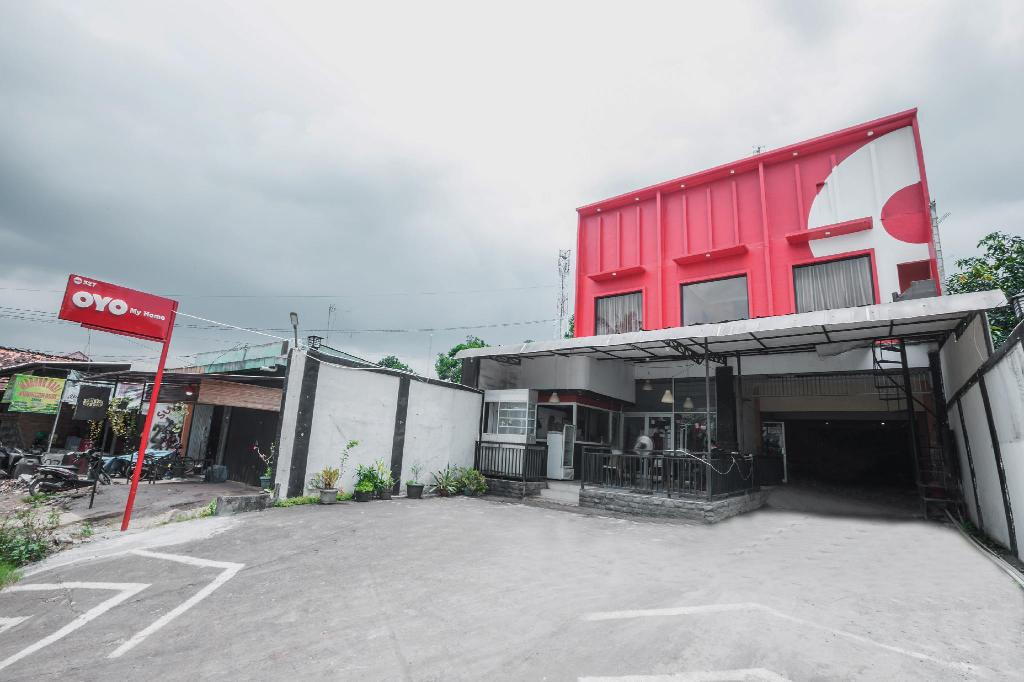 Oyo 527 My Home Cibubur Jakarta Room Deals Photos Reviews