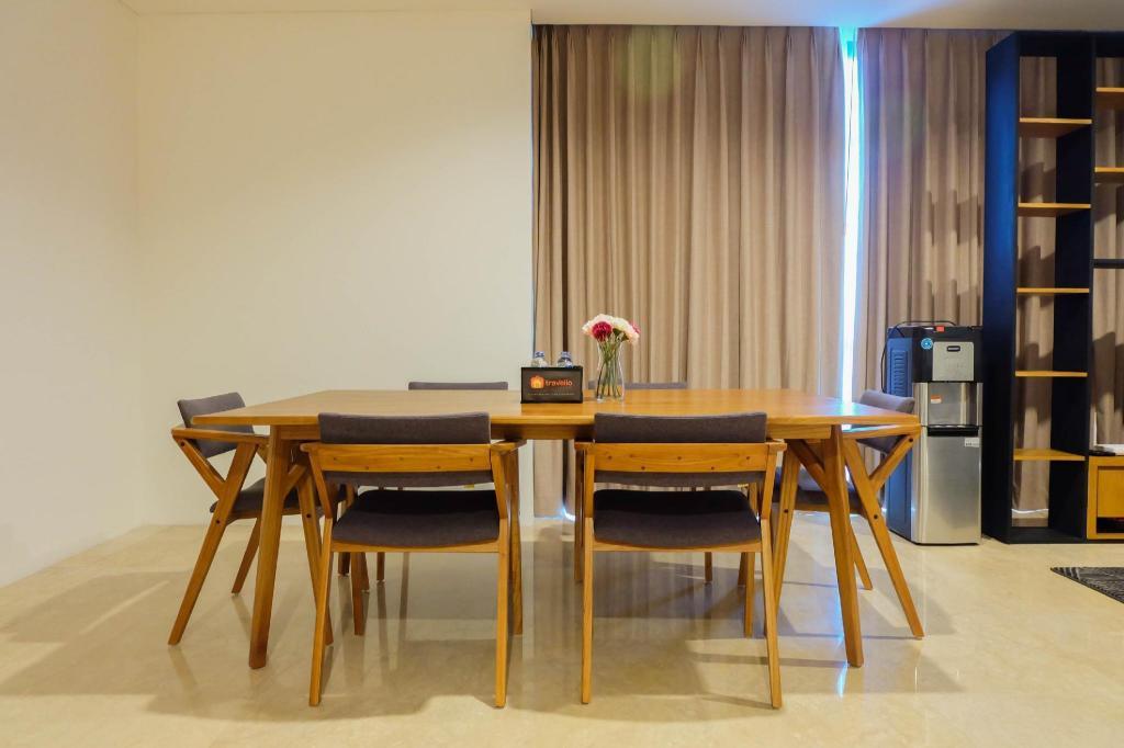Desain Taman Kota  spacious 3br veranda residence puri apt bytravelio apartment