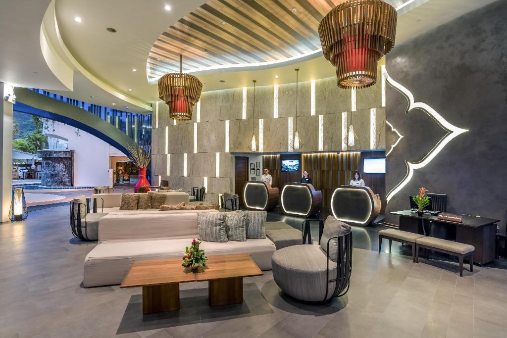 Lobby Novotel Phuket Karon Beach Resort and Spa