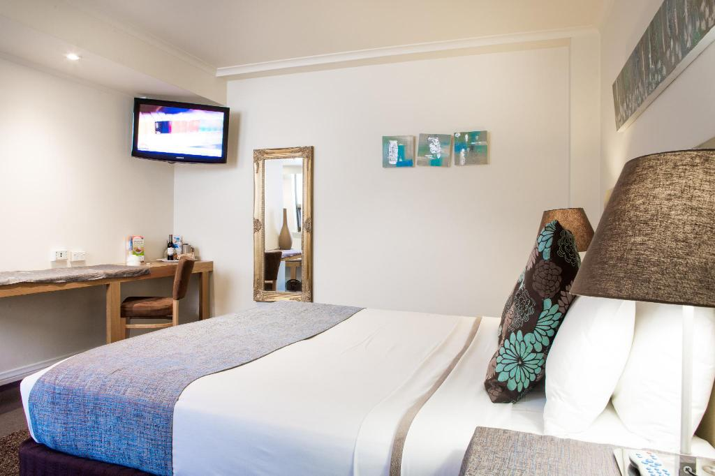Superior Room - Bed Hotel Richmond on Rundle Mall