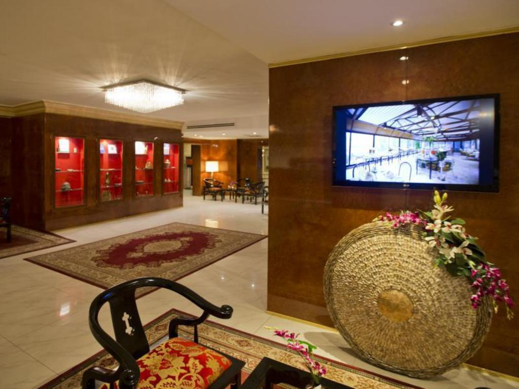 Lobby Amman International Hotel